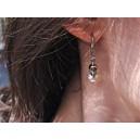 Boucle d'Oreilles Or Gris Dormeuse sertie Diamant Tête de Mort montée sur Perle Blanche ou Noire « Vaval »